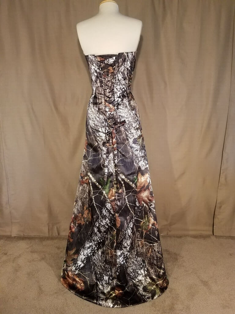 ATOC-0311C-IS-MOBU-16 Michelle Full Back Camo Gown (image)