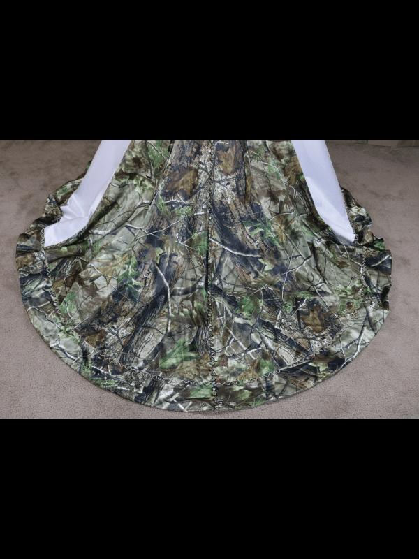 ATOC-0910 Elizabeth RHGHD Train Detail Camo Gown (image)