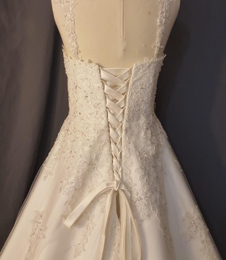 ATOC-1110-IS-MOBU,I-12 Ashley Bodice Back camo gown (image)