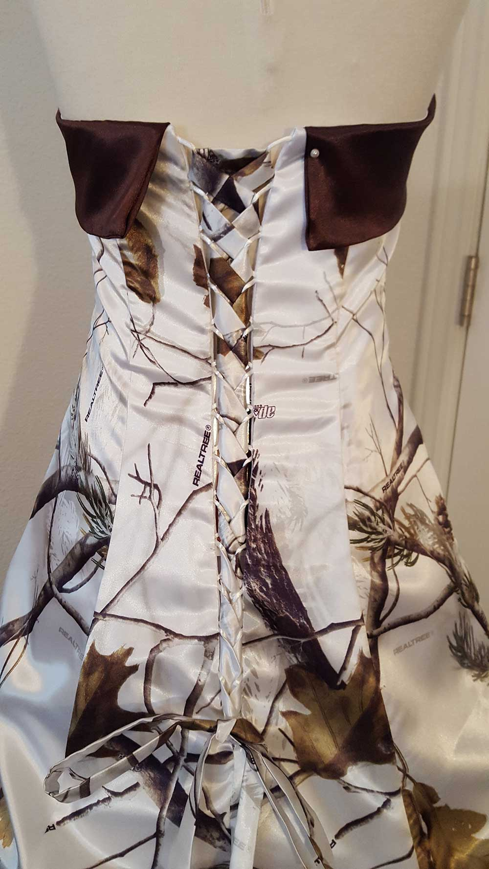 ATOC-32 Courtney Optional Corset Realtree AP Snow Camo Gown (image)