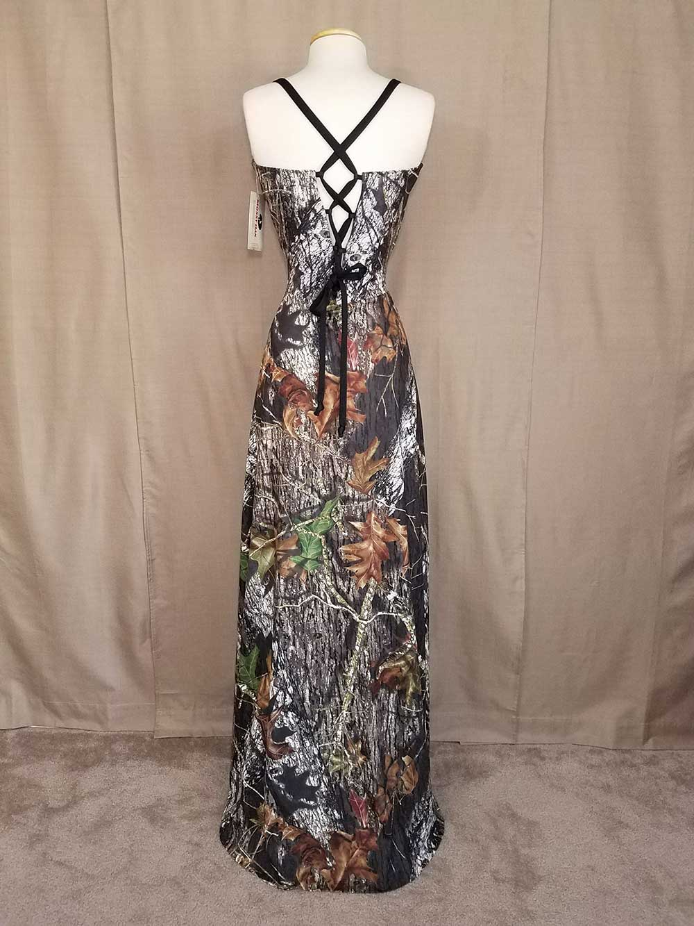 CD-116-IS-MOBU,BLK-M Ashton Full Back Camo Bridesmaid Dress (image)