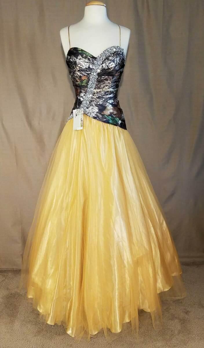 LCB006 IS-MOBU,LG-12 Isabella Full Front Camo Bridesmaid Dress (image)