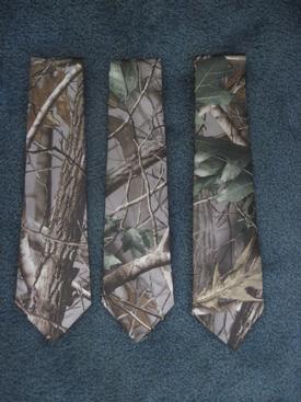 mens long tie in hardwoods green camo pattern